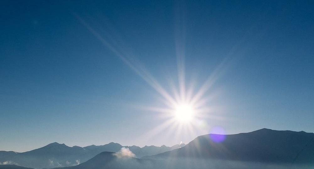 Berge im Sonnenschein